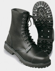 туристические ботинки